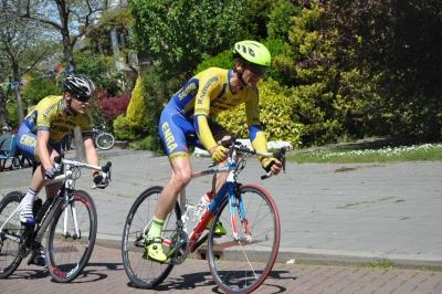 Bas de Jong (l) en Arjen Neefjes in actie
